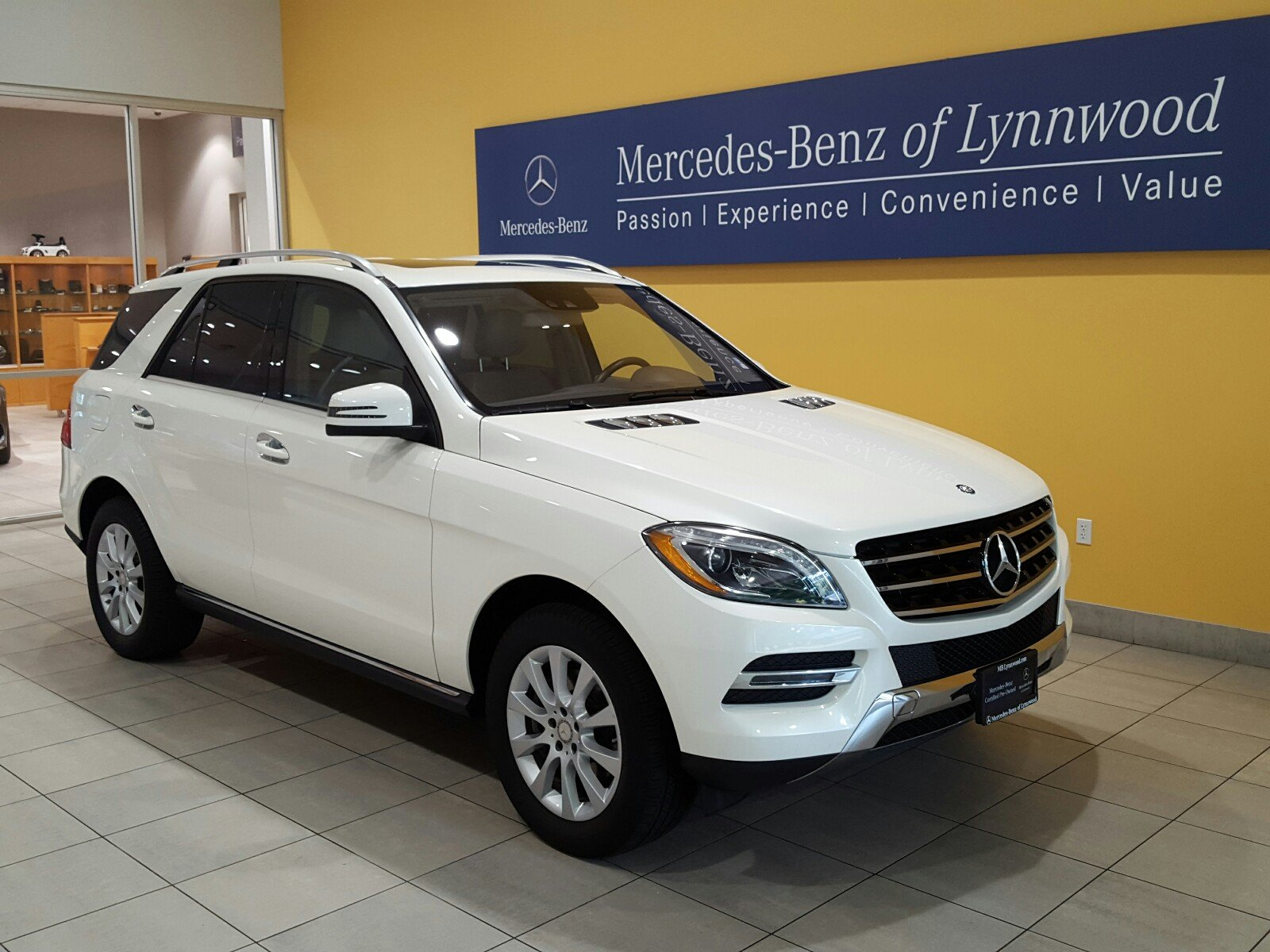 Certified pre owned 2015 mercedes benz m class ml 250 for Certified pre owned mercedes benz