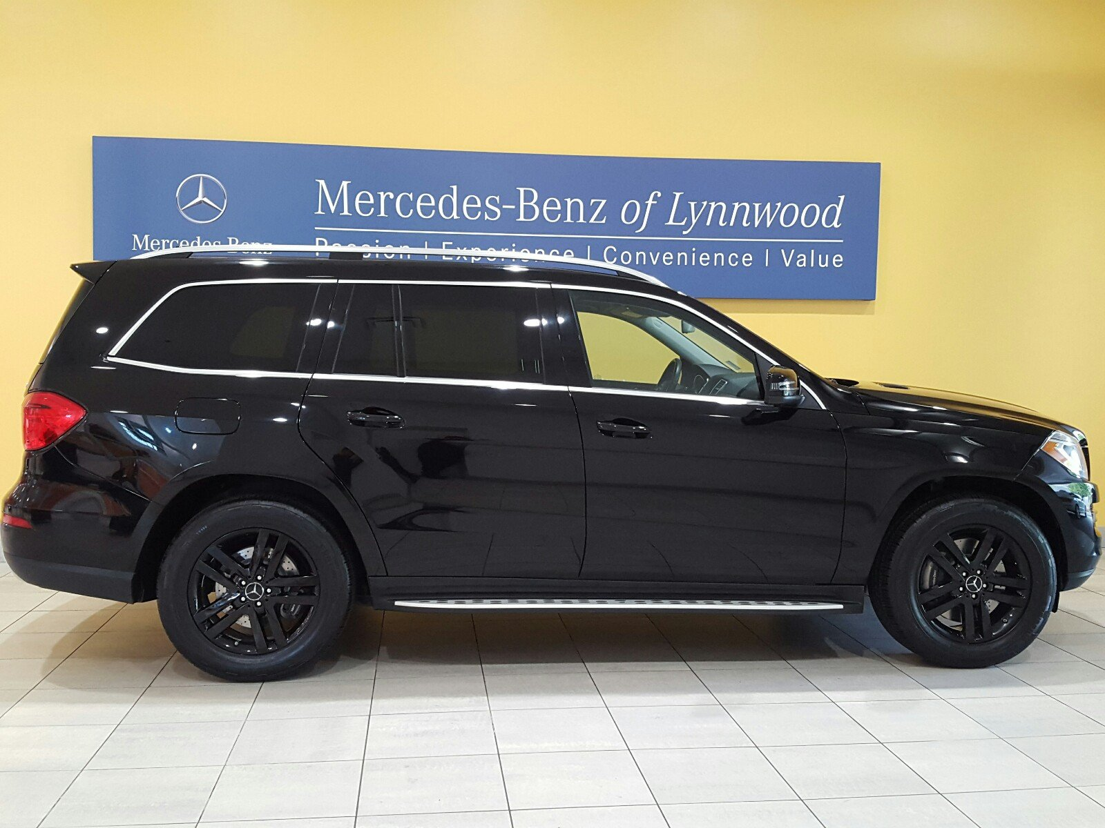 Certified pre owned 2013 mercedes benz gl class gl 450 for Certified pre owned mercedes benz