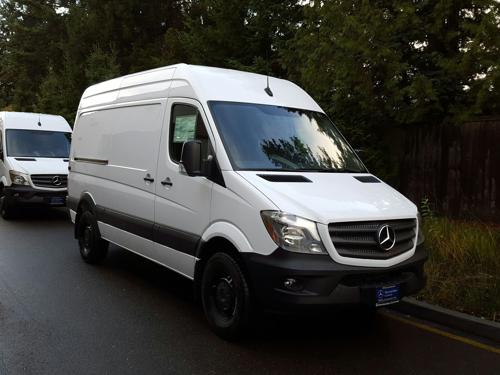 New 2017 mercedes benz sprinter cargo van cargo van in for Mercedes benz sprinter cargo van