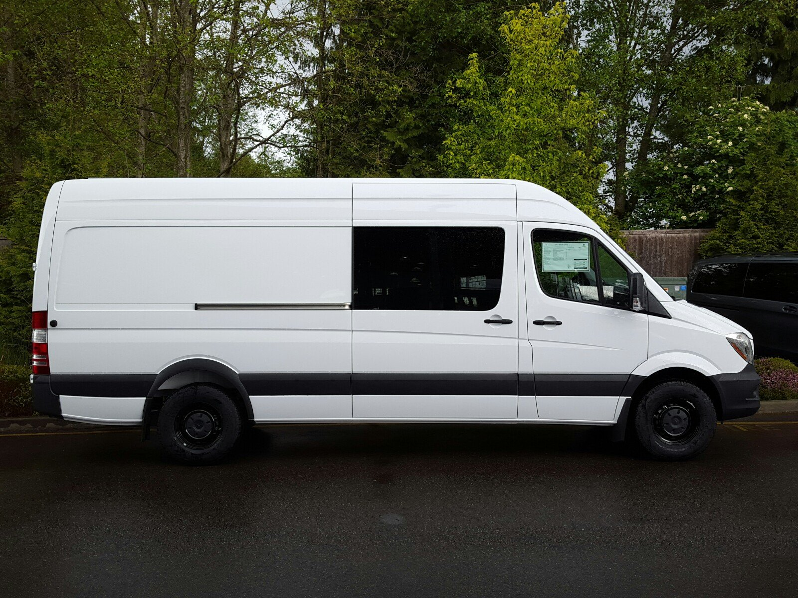 26363cecf2499df19ce393937f7af9a5 new mercedes benz sprinter crew vans mercedes benz of lynnwood  at webbmarketing.co
