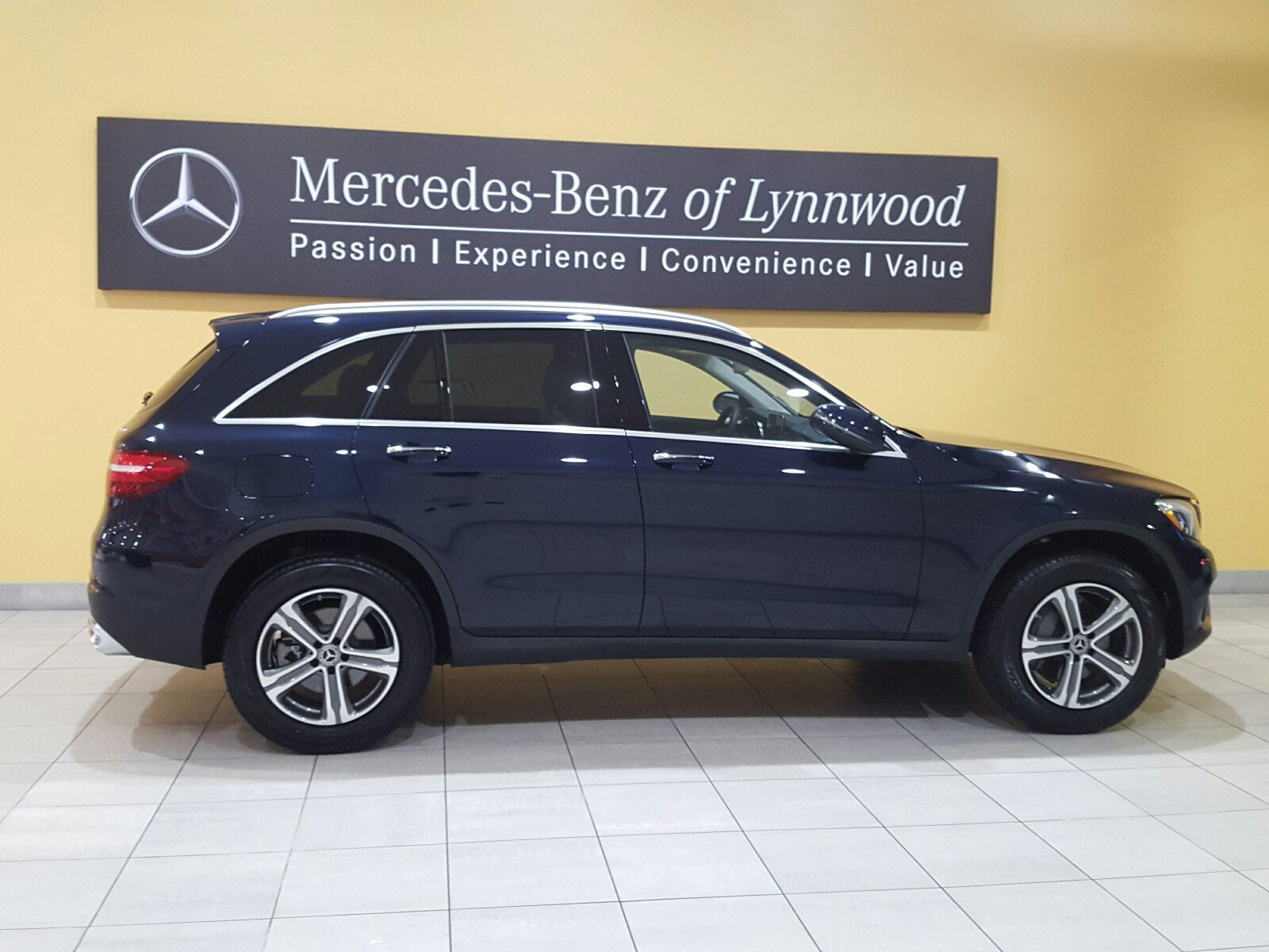 Certified pre owned 2018 mercedes benz glc glc 300 4matic for Certified pre owned mercedes benz