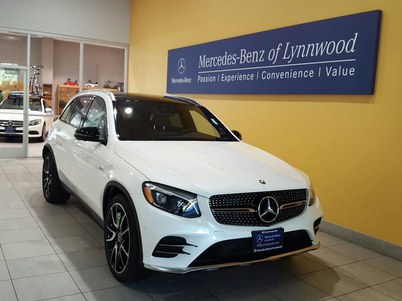 new 2018 mercedes benz glc amg glc 43 4matic sport utility in lynnwood 28168 mercedes benz. Black Bedroom Furniture Sets. Home Design Ideas