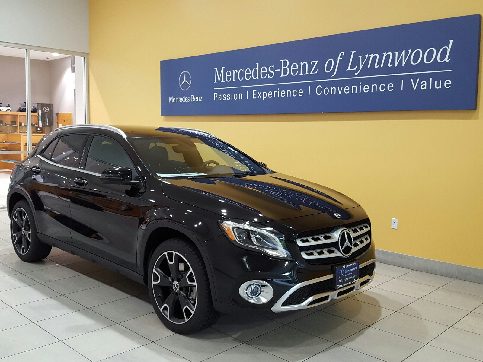 New 2018 mercedes benz gla gla 250 4matic sport utility for Mercedes benz financial payment address