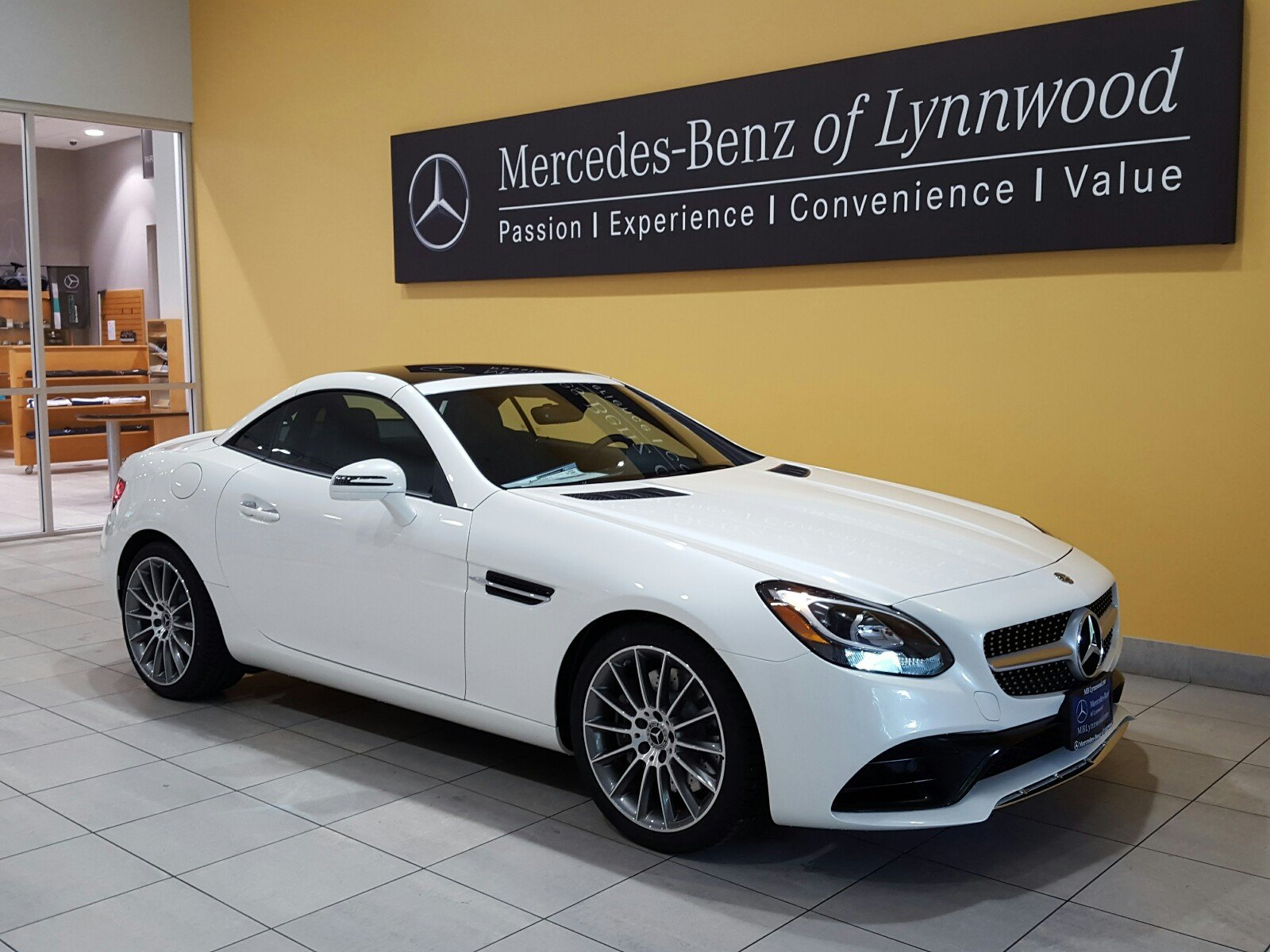 New 2018 mercedes benz slc slc 300 roadster roadster in for Mercedes benz financial payment address