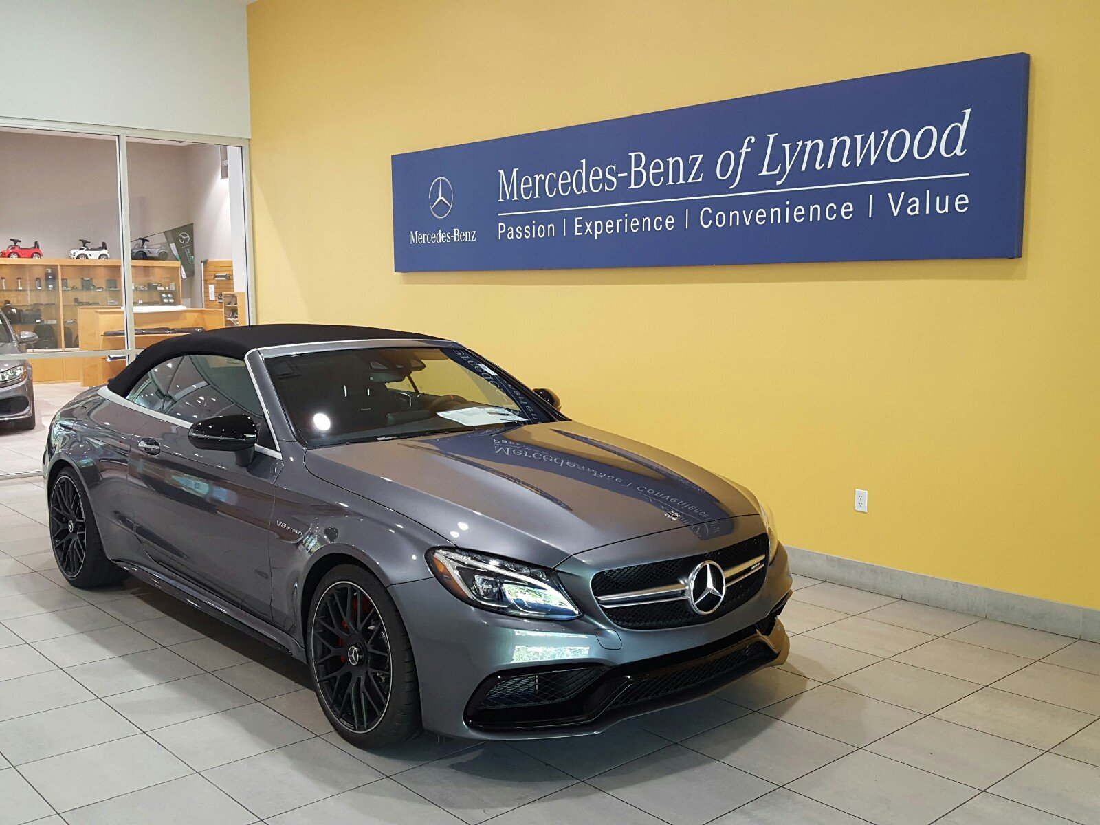 pre owned 2018 mercedes benz c class amg c 63 s cabriolet cabriolet in lynnwood 28068. Black Bedroom Furniture Sets. Home Design Ideas